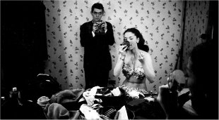 Kubrick with showgirl Rosemary Williams in 1949