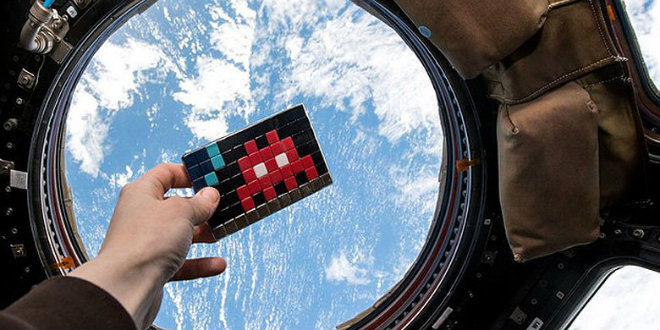 Space Invaders verk Space2 på ISS, Foto: ESA/NASA