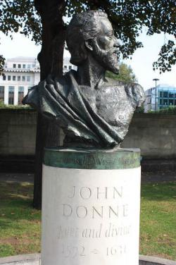 John Donne av Nigel Boonham, 2012, St Paul's Cathedral Garden via wikipedia